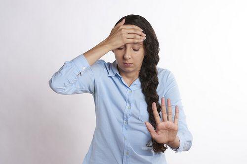 Yang Harus Anda Ketahui Tentang Tiroiditis Hashimoto mual, sembelit, depresi, dan